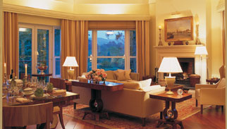 Golfurlaub, The Presidential Suite, Lounge by Night